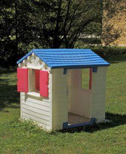 casa de plastico 245x300 - El arte de construir casas con residuos de plástico