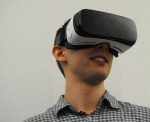 realidad virtual 300x244 - ¿Cómo puede la realidad virtual ayudar a proteger el medio ambiente?