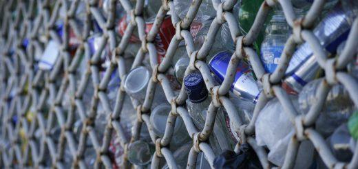 residuos plásticos 520x245 - El arte de construir casas con residuos de plástico